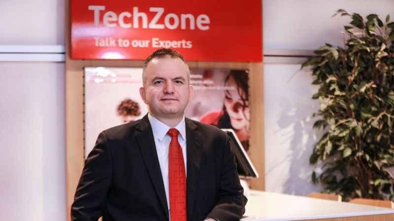 """Vodafone, müşterilerine """"Asistanım Yanımda' projesi"""