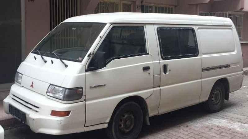 Minibüs çalan 2 kişi polise yakalandı