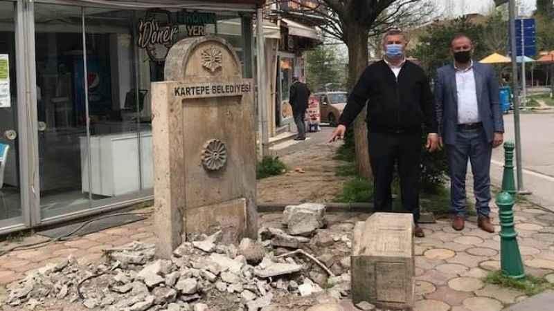 Belediye mi yıktı? 76 yıllık tarihi çeşmeyi parçaladılar!