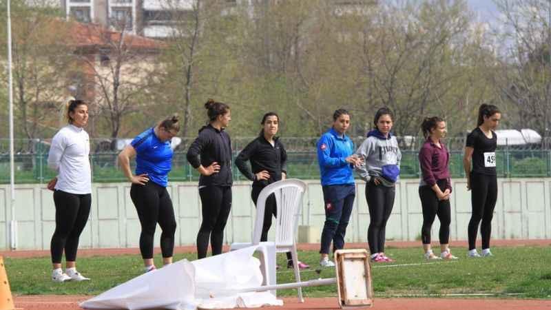 İzmit Belediyesporlu atletler Bursa'dan rekorla döndü