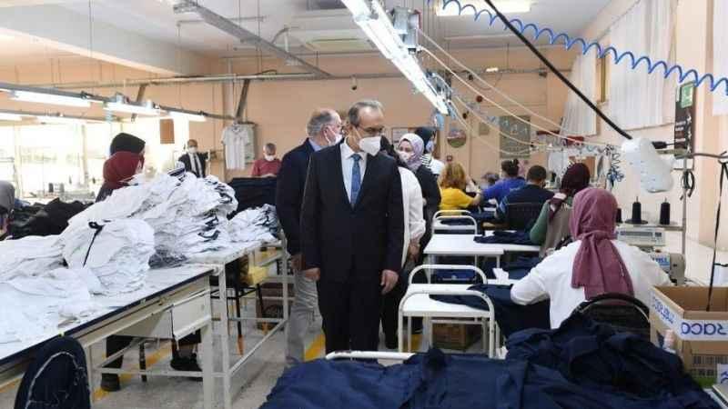 Vali Yavuz, 132 engelli bireyin istihdam edildiği merkezi ziyaret etti