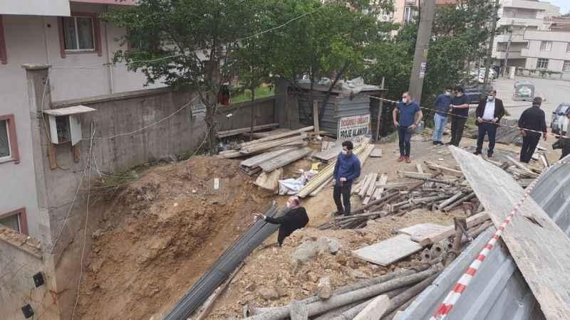 Toprak kayması nedeniyle tahliye edilen apartman için karar bekleniyor