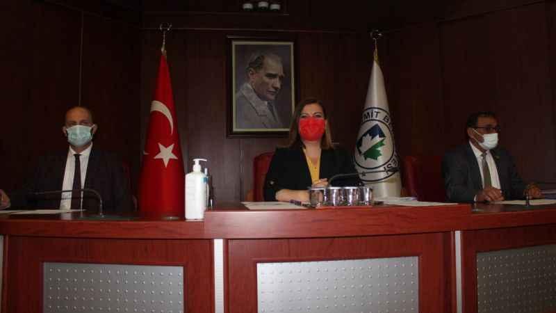 """İzmit Meclisinde bütçe tartışmaları! AKP; """"Bütçenin sadece yüzde 1'i sosyal yardımlara harcandı"""""""