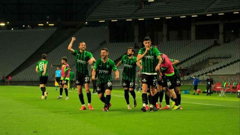 Efsane Kocaelispor 13 yıl sonra 1. Lig'de