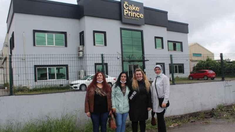 Dondurulmuş pasta fabrikası çalışanları isyanda