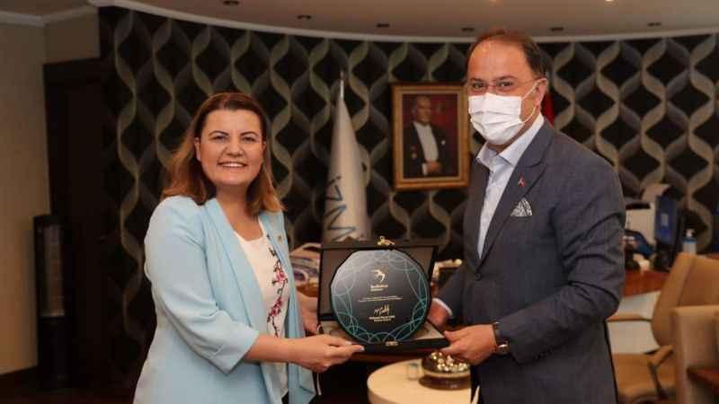Beylikdüzü Belediye Başkanı ÇalıkHürriyet'i ziyaret etti