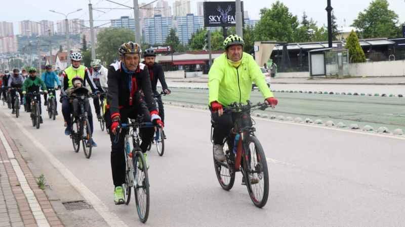 Dünya Bisiklet Günü için pedallara bastılar!