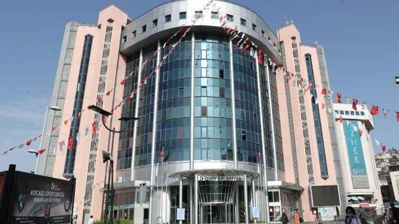 İzmit Belediyesi'ne ait otopark ve 6 adet işyeri kiraya verilecek