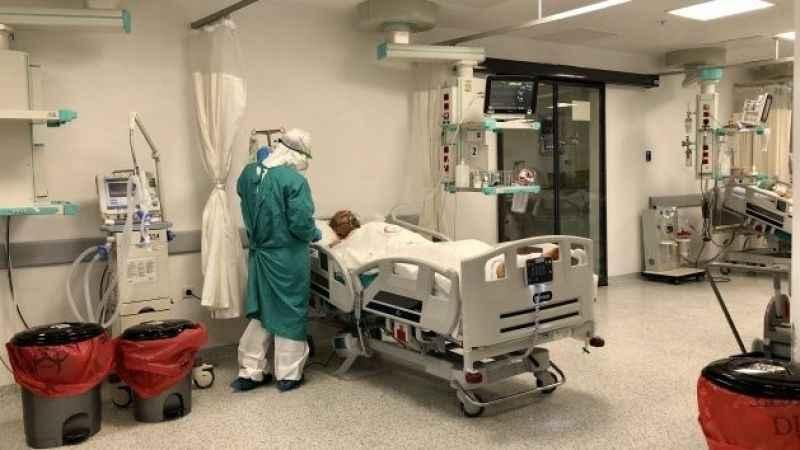3 çocuk babası koronavirüse yenildi