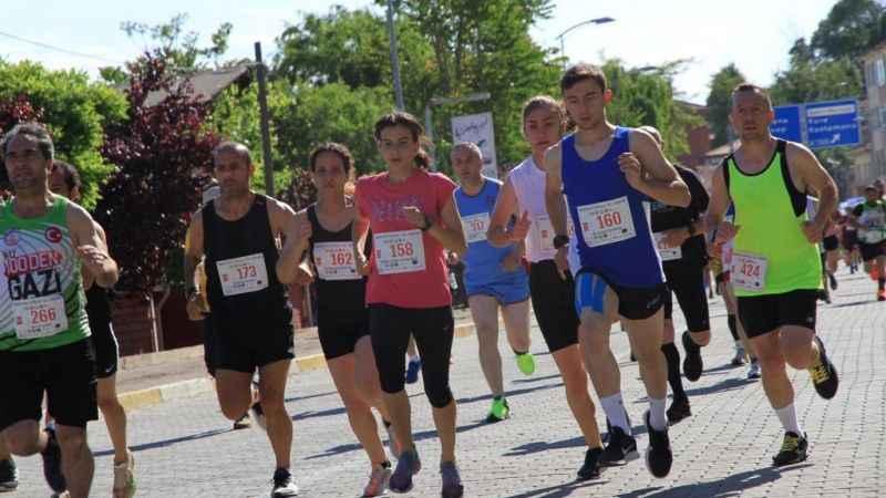 İzmit Belediyesporlu HasnaaTürkiye Şampiyonu oldu