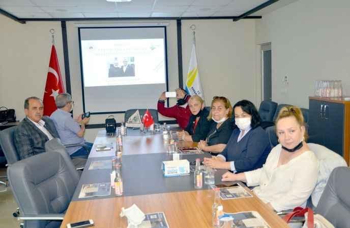 Karamürsel'de STK'lara  'Akıllı Şehir Stratejisi' anlatıldı