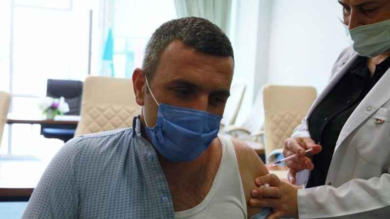 O belediye personelleri Kovid-19 aşısı oldu