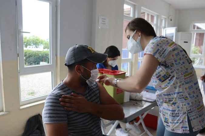 İzmit Belediyesi personeli Covid-19 aşısı oldu