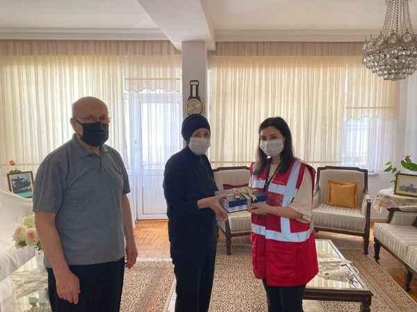 İzmit Belediyesi şehit ailesini yalnız bırakmadı