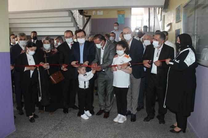 Şehit Arlı ve Şehit Demirer'in  adının yaşatılacağı kütüphane açıldı