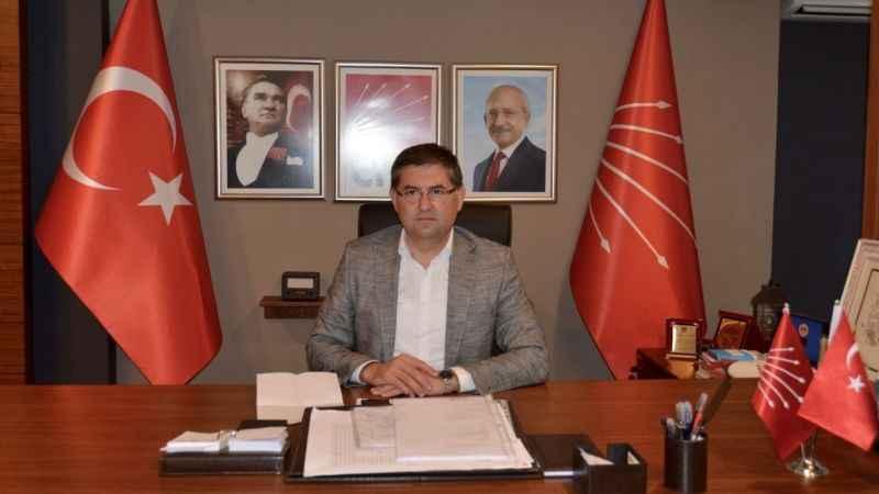 """Yıldızlı;  """"100. yaşın kutlu olsun Cumhuriyet'in İzmit'i"""""""