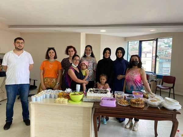 İzmit Halk Eğitim'den ögrencilerine sınav öncesi pasta sürprizi