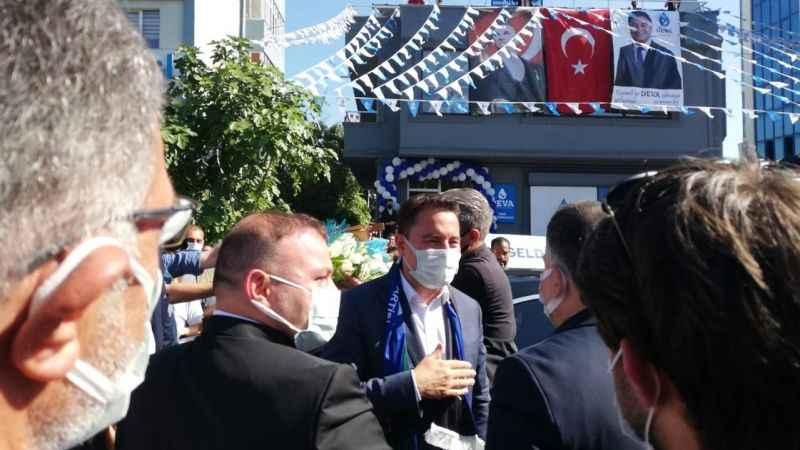 Babacan bina açılışı için İzmit'te