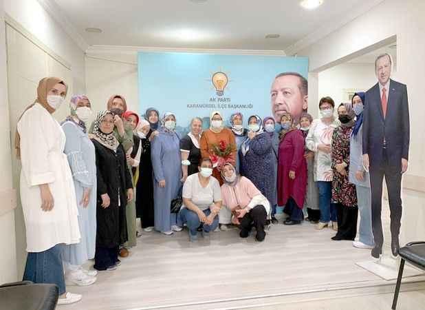 AKP Karamürsel Kadın Kolları'na  önceki dönem kadın kollarından ziyaret