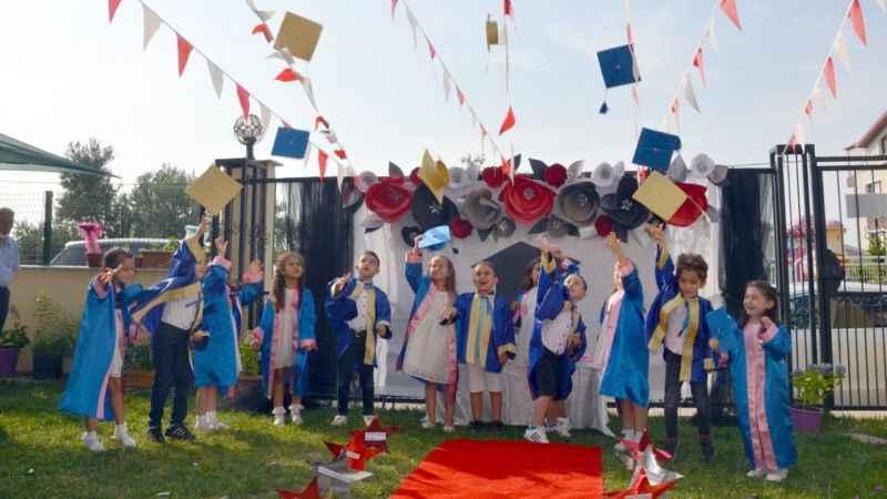 Ay Yıldızlar Gündüz Bakım Evi'nde mezuniyet coşkusu