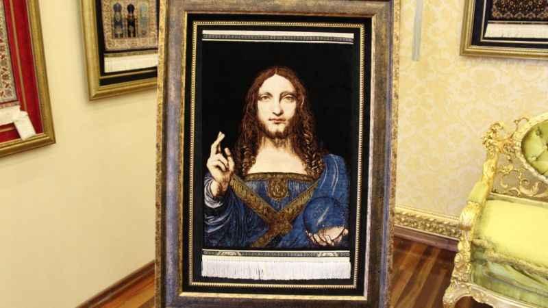 Leonardo'nun SalvatorMundi tablosuipek halıyaişlendi