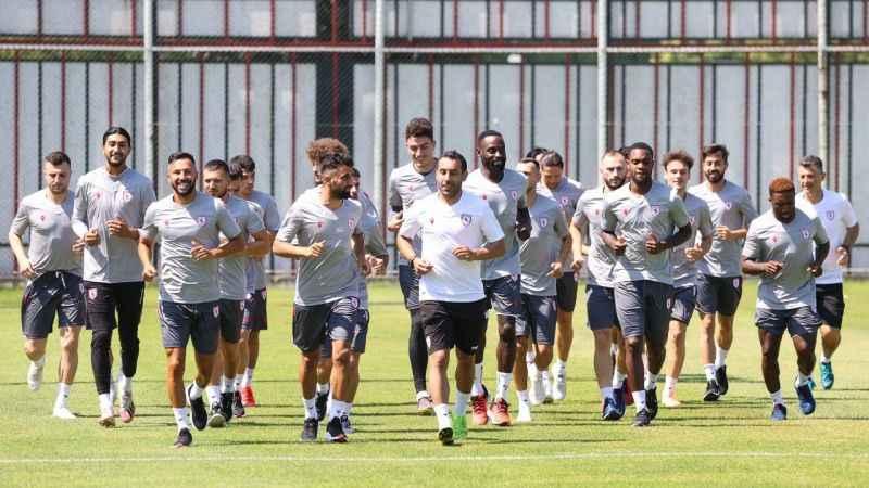 Samsun'da 16 futbolcu gitti, 12 futbolcu geldi