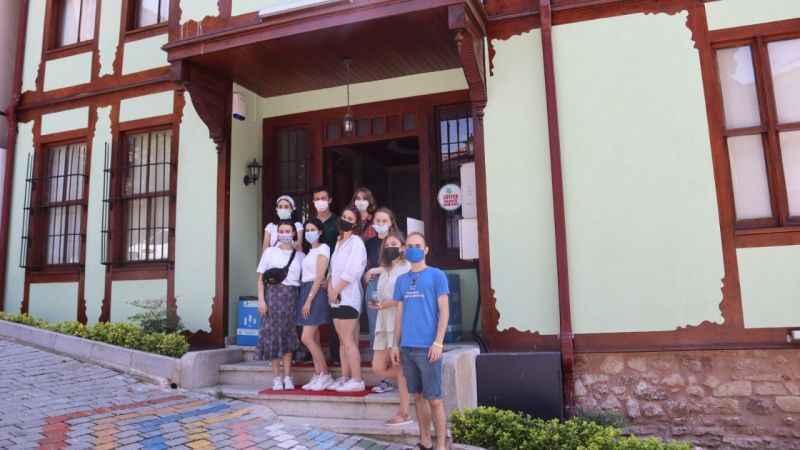 Ukraynalı öğrenciler Atatürk Evi'ne hayran kaldı