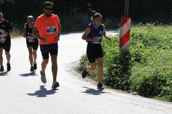 İzmit Belediyesporlu atletler zirveyi domine etti
