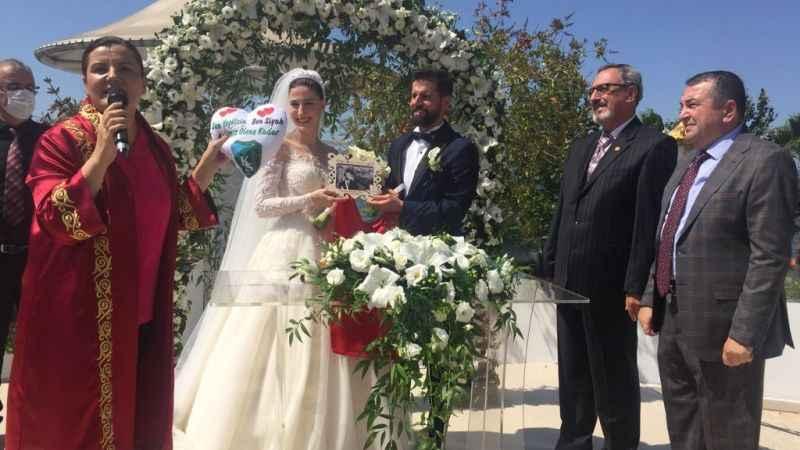 Ömer Aysan ve Ayça Karasu evlendi