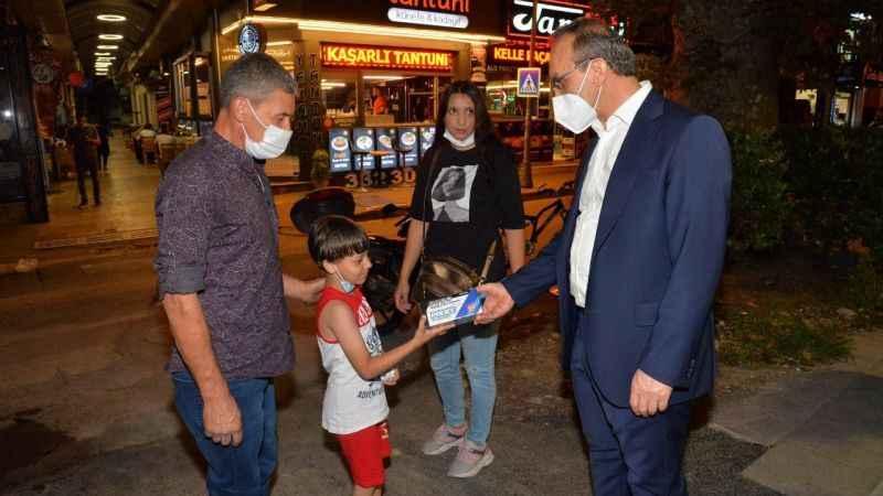 Vali Yavuz: Makam odalarını değil sokakları tercih ederim