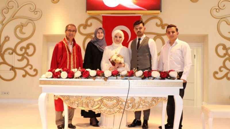 İzmit'te nikah sayısında18 yılın rekoru kırıldı!