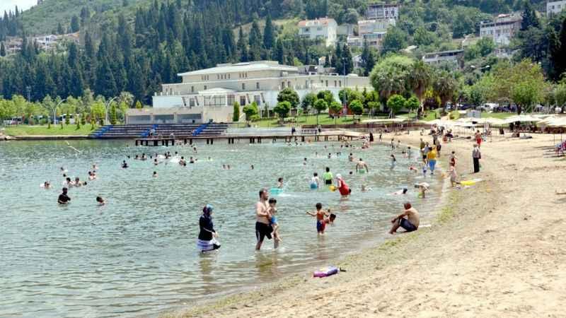 Karamürsel plajları dolup taşıyor