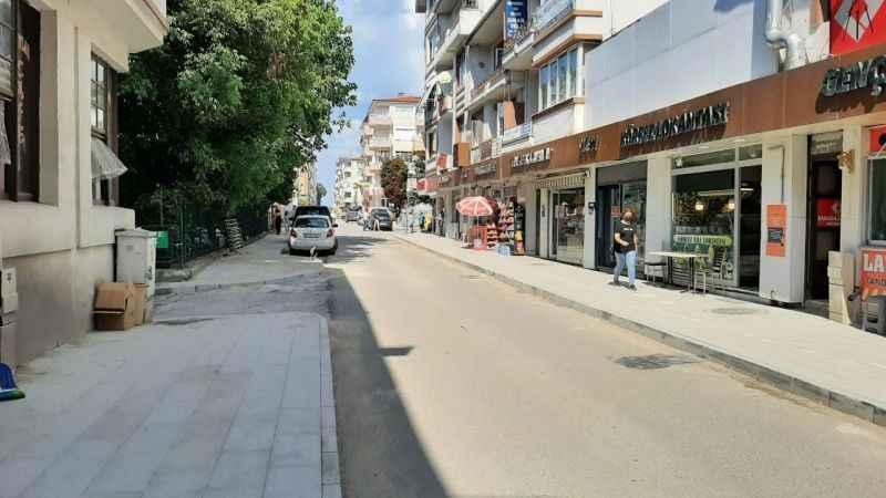 Karamürsel İnönü ve Atatürk Caddeleri yenileniyor
