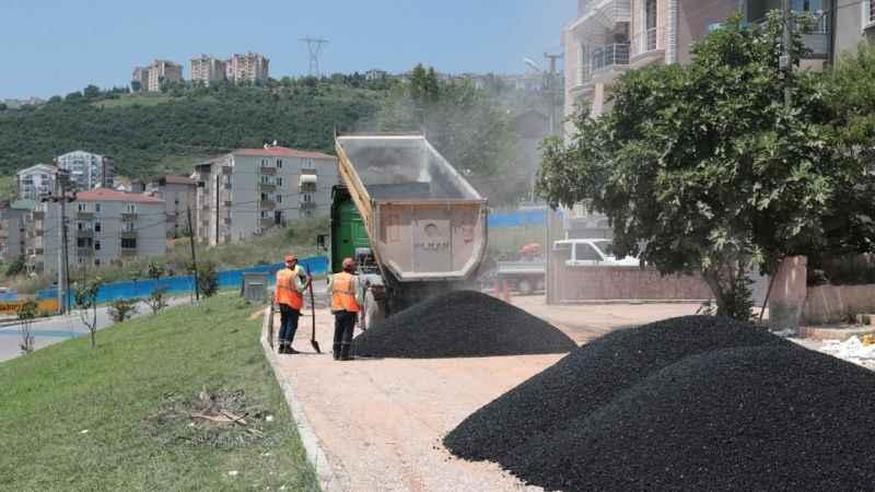 İzmit Belediyesi, Tepeköy'deyolları yeniliyor