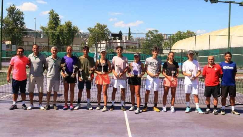Tenis büyüsü bitti