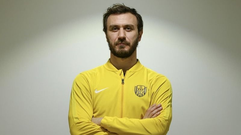 Kocaelispor'da bayram transferi! Korcan Çelikay da tamam…