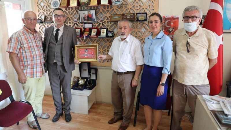 İzmit Belediyesi, Muharip Gaziler Derneği Gölcük Şubesini ziyaret etti