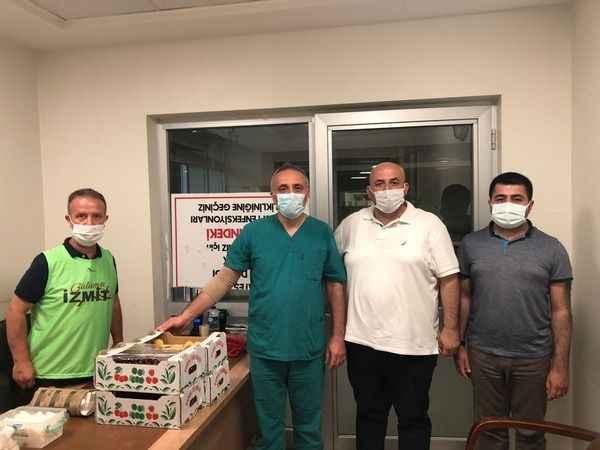 İzmit Belediyesi, Kurban Bayramı'nda sağlık çalışanlarını unutmadı