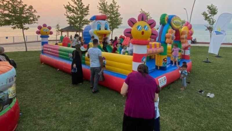 Kordon'daki oyun parkı ailelere nefes aldırdı