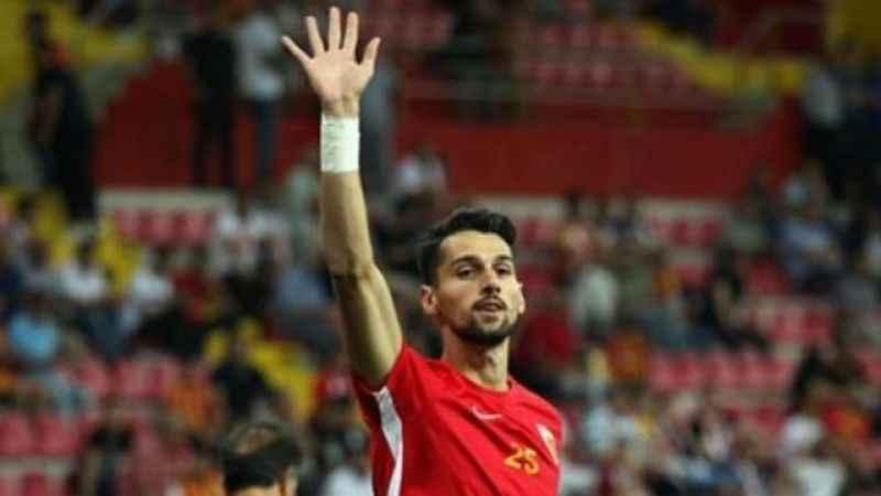 Beşiktaş'tan defans oyuncusu İzmitli Alpay Çelebi'yi kiraladık