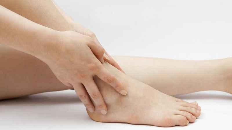 Ayak bileğindeki şişlik kolesterol habercisi olabilir