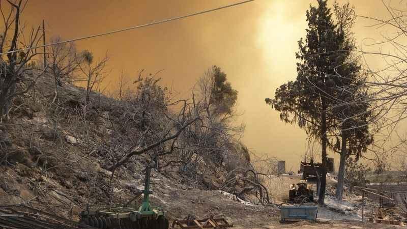 AFAD açıkladı, 5 ilde çıkan orman yangınlarına müdahale sürüyor