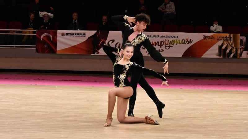 Hürriyet, dünya ikincisi dansçılarımızı konuk etti