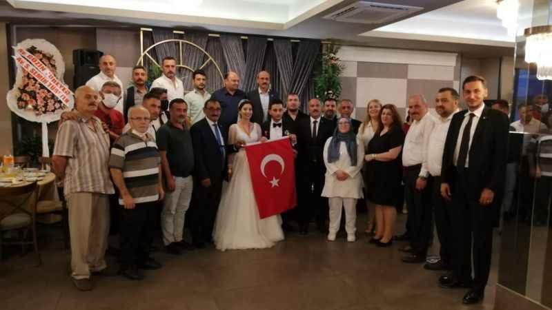 MHP'li Demirayak'ın kızı dünya evine girdi