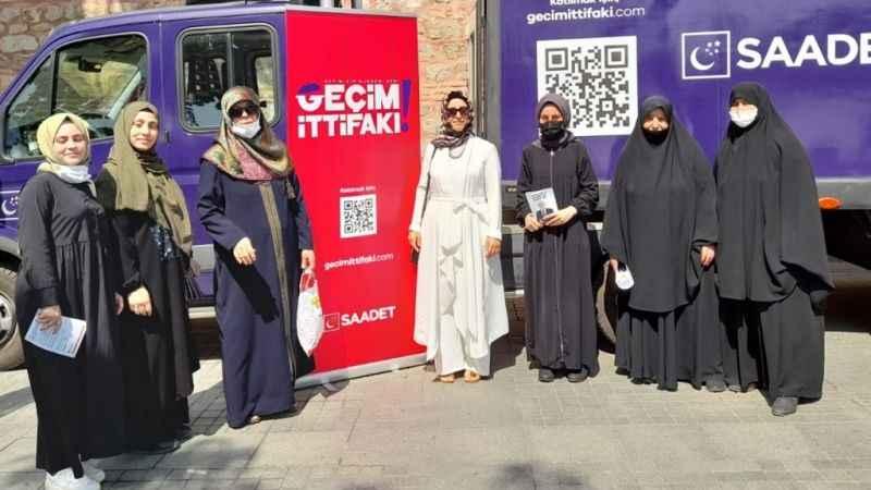 SP'li kadınlar, Geçim İttifakı standında halkla buluştu