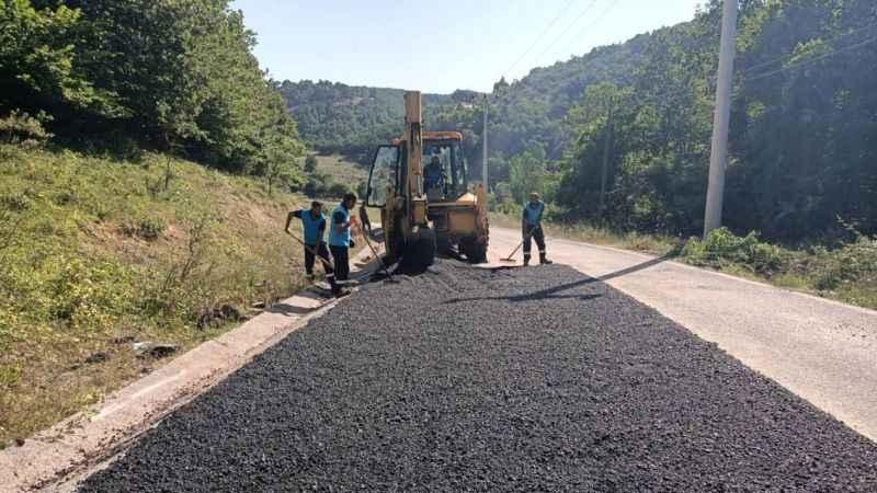 Körfez, Belen ve Kalburcu köylerini bağlayan yolda asfaltlama