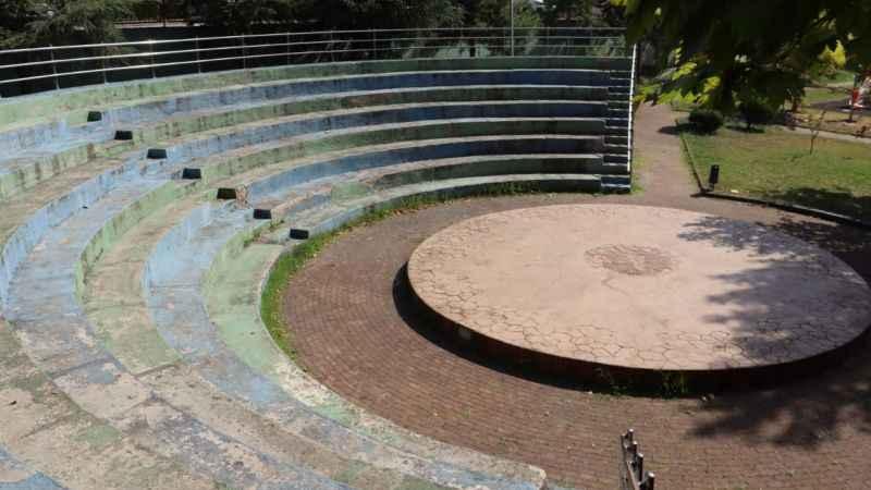 Yuvam Akarca Demokrasi Parkı Amfi Tiyatrosu da yenileniyor