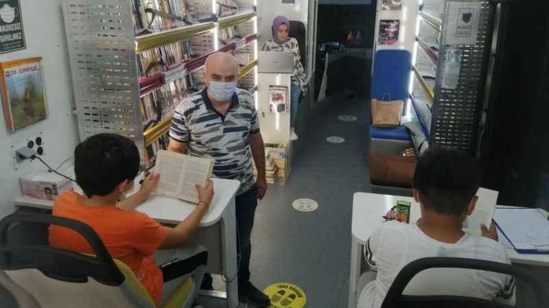 Gezici Kütüphaneyi Başiskeleli çocuklar çok sevdi