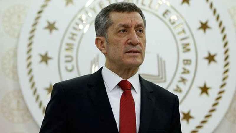 Milli Eğitim Bakanı Ziya Selçuk istifa etti