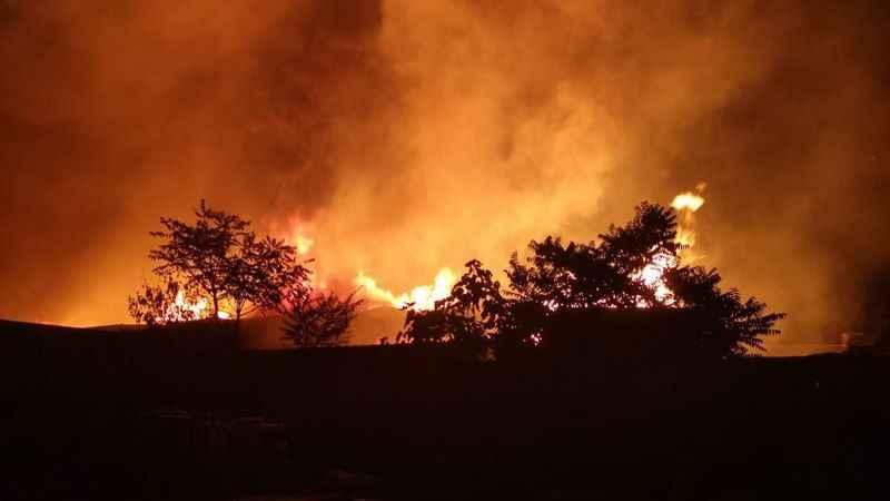 Kocaeli'de kereste fabrikasında yangın çıktı
